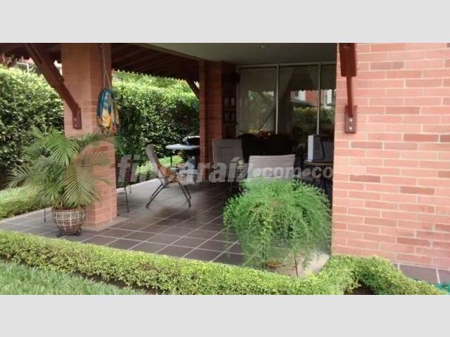 Casa c digo 1454058 for Bares en ciudad jardin cali